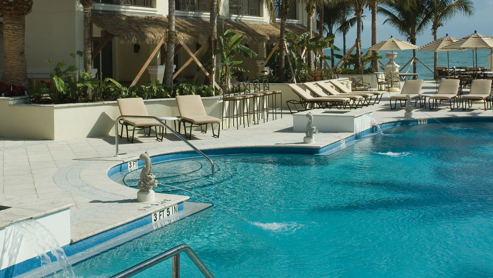 poolside of vero beach hotel