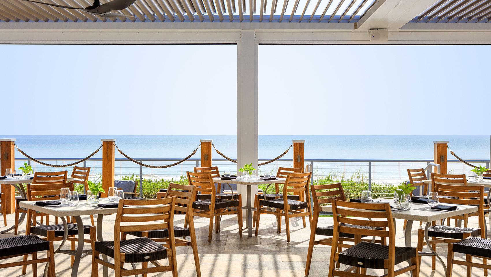 Oceanfront dining at Heaton's Reef